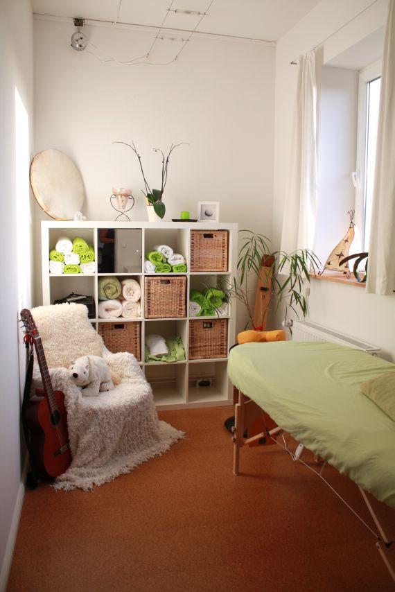 bilder alleins e v. Black Bedroom Furniture Sets. Home Design Ideas