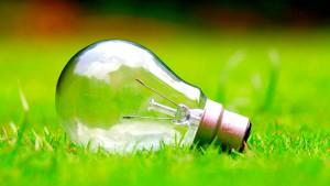 erleuchtung glühbirne gras heller ausger. lizenzfrei